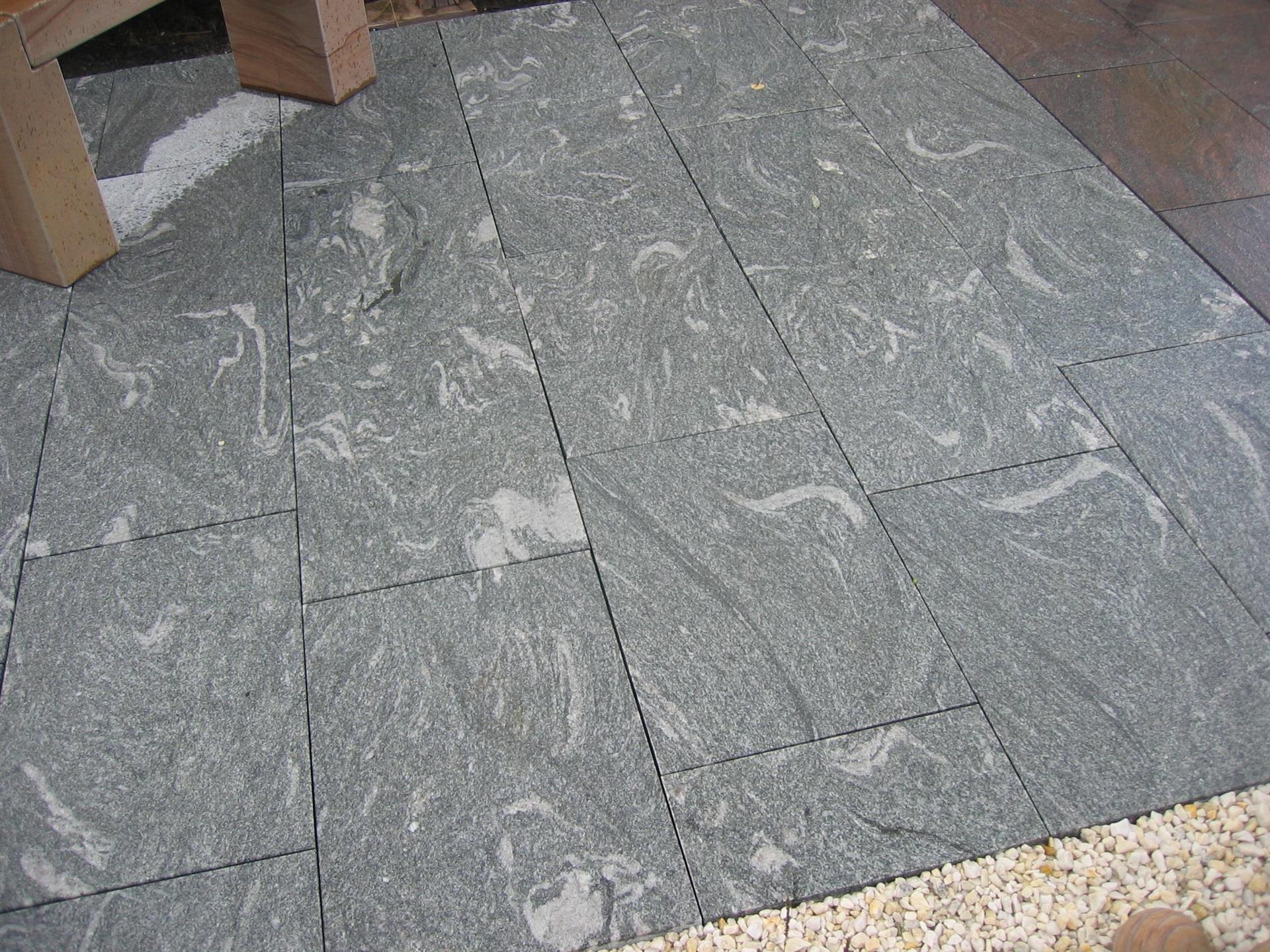 granit bodenpl. 60x60 cm (cloud nine) 3 cm, geflammt+gebürstet/ges